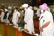 House paid homage to noted personalities, farmers who died in anti farm bills protest